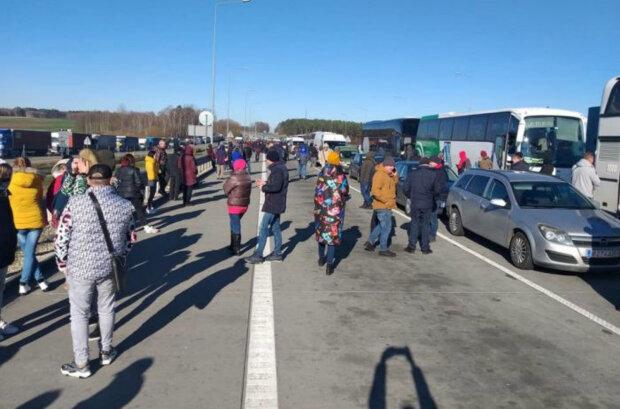 Україна відкриває кордони: важливе повідомлення МВС, «відновити рух у...»