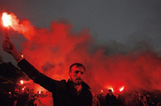 дым толпа митинг националисты