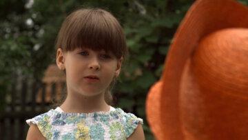 """""""Какая другая!"""": маленькая Женечка из """"Сватов"""" незаметно выросла и стала настоящей красоткой"""