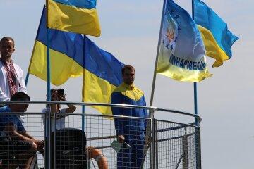 Миколаїв вразив кількістю національних прапорів (фото)