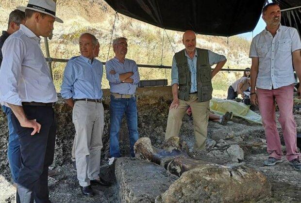Археологи нашли останки древнего монстра: «длиной восемь метров»