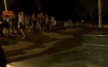 Українським дітям заборонили виходити на вулицю після 10: у чому причина рішення місцевої влади