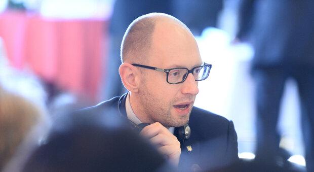 Arseniy_Yatsenyuk_at_EPP_Brussels_Summit,_March_20,_2014 копия