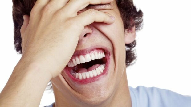 человек смеется, смех