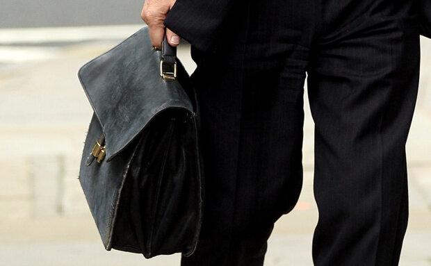 Прикрывает незаконную деятельность: харьковский чиновник владеет сотнями фирм