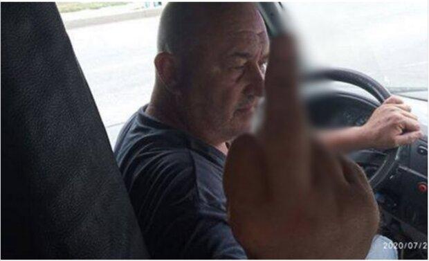 """""""Це місця для нормальних людей"""": маршрутник-хам вразив ставленням до захисника України"""