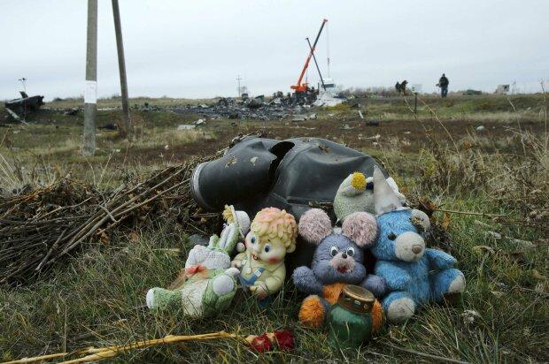 Трагедия MH17: «ДНР» устроила маскарад на месте крушения (фото)