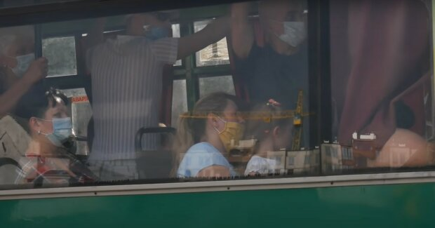 автобус маршрутка транспорт карантин пасажири