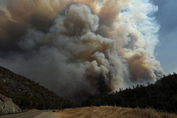 Дым, пожар, конец света, апокалипсис