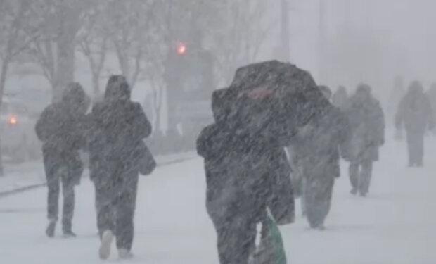 """Днепряне почувствуют все """"прелести"""" зимы в ближайшее время: когда стоит остаться дома"""