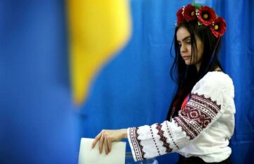 Украинцев хотят пускать на выборы только после экзаменов: все подробности