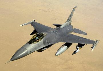 Истребитель F16