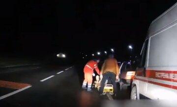 В Харьковской области женщина рожала ночью на трассе: медики рассказали детали
