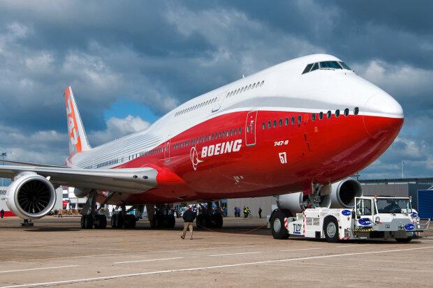 Boing-747-8