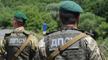 Чоловік взяв на приціл військову частину в Одесі, прикордонники на вухах: кадри переполоху