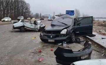 Під Києвом водій відправив на той світ дитину, авто розірвало на частини: деталі і кадри трагедії