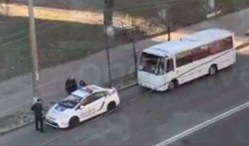 Карантин в Киеве: как водители расплачиваются за нарушения, кадры происходящего