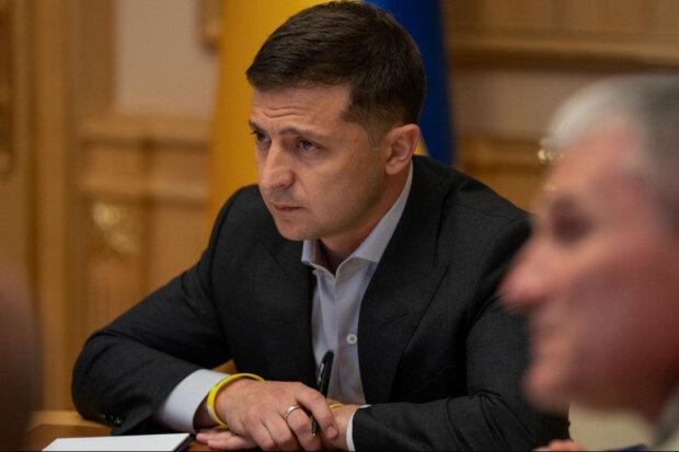 """Втомлений Зеленський делегував свої повноваження іншим: """"Не цікаво..."""""""