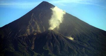 вулкан Сантьягито Гватемала