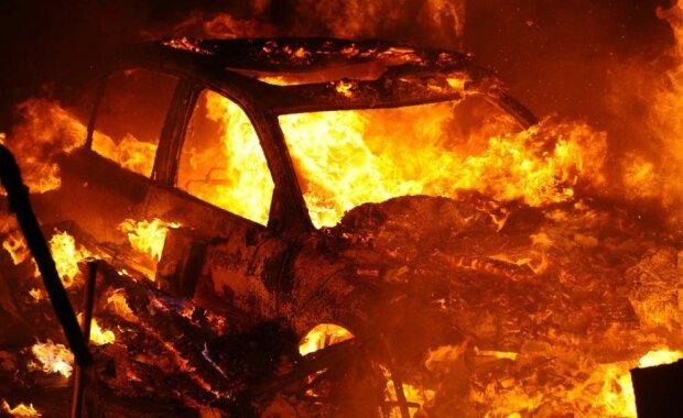 взрыв-машина-пожар