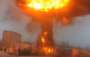 Мощные взрывы прогремели в Москве, столб огня поднялся на десятки метров: кадры ЧП
