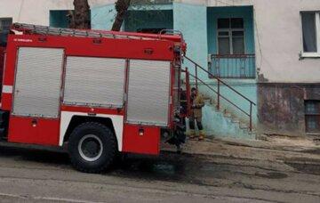 В Харькове спасатели эвакуировали жителей дома из-за телевизора: фото и детали ЧП