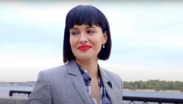 """Модниця Астаф'єва згадала про головний стильний аксесуар своєї молодості: """"Було у всіх дівчат"""""""