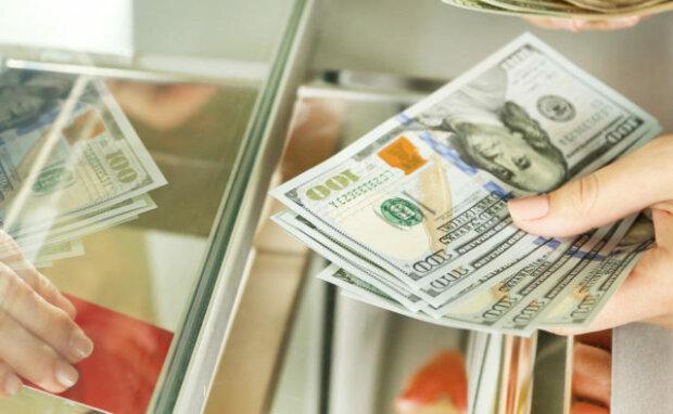 Нацбанк ошарашил украинцев: что случилось с долларом после выборов, «такого никто не ждал»