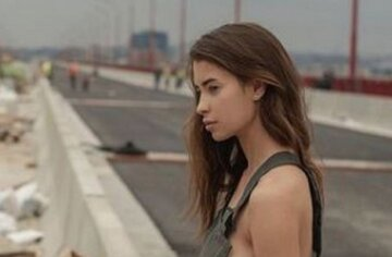 Знойная Ася Микович разделась и показала все, что не успела на мосту: лицезреть можно вечно