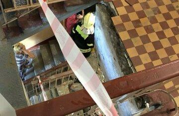 """""""Другий раз за рік в цьому ж під'їзді!"""": у харківській багатоповерхівці обірвався ліфт"""