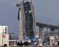 15784910-R3L8T8D-650-steep-rollercoaster-bridge-eshima-ohashi-japan-42
