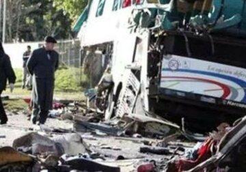 21 погибший  и 30 пострадавших: кадры столкновения двух автобусов облетели сеть