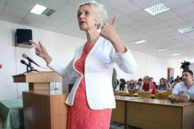 """Скандальна Фаріон потрапила під суд і звинуватила у всьому українців: """"у нас в країні..."""""""