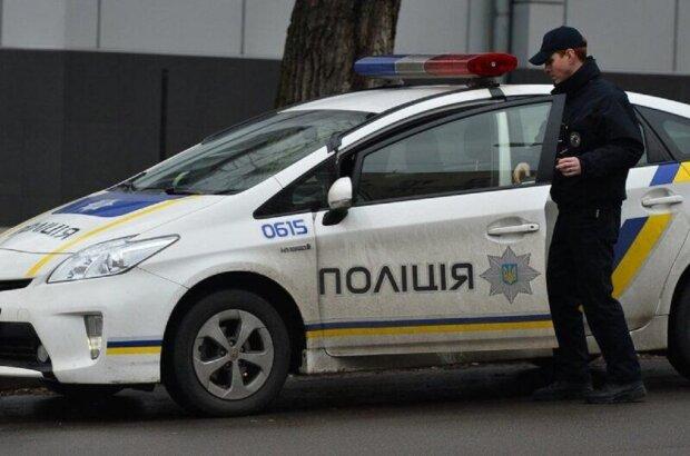Неадекват открыл стрельбу на парковке Киева, съехались силовики: видео ЧП