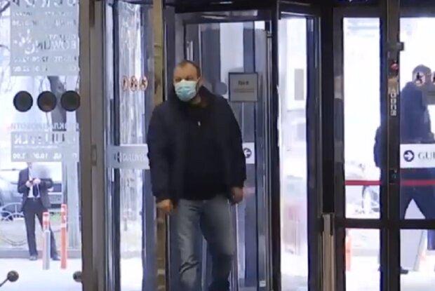"""Українцю """"вліпили"""" нечуваний штраф за порушення карантину: """"зайшов у магазин без маски"""""""