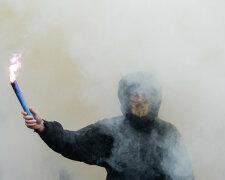 бунт, дым