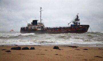 """Авария танкера в Одессе переросла в экологическую катастрофу, правду не скрыть: """"превышает в 90 раз"""""""