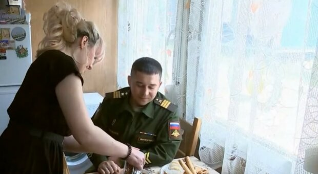 """""""Сміттєві контейнери"""": російські військові похвалилися службовим житлом, відео"""