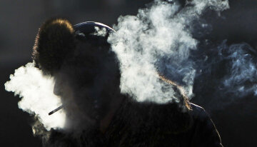 Курильщик-курение-сигареты