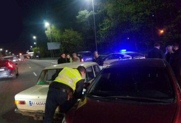 В Киеве таксист устроил тройное ДТП, в авто находились дети: кадры аварии