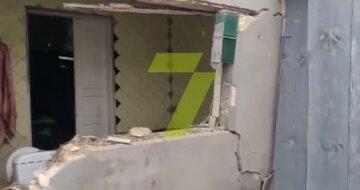 Вибух прогримів у житловому будинку під Одесою, люди залишилися без даху над головою: кадри
