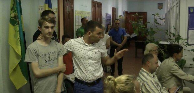 Избиение школьника депутатом: политик получил по заслугам
