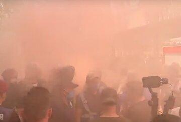 Центр Киева в дыму, начались массовые аресты и столкновения с полицией: кадры протеста