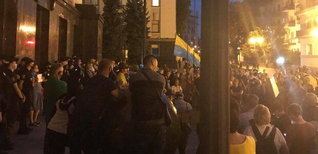 """Зеленскому намекнули на новый Майдан: """"Сегодня мы мирно репетируем, а завтра..."""""""