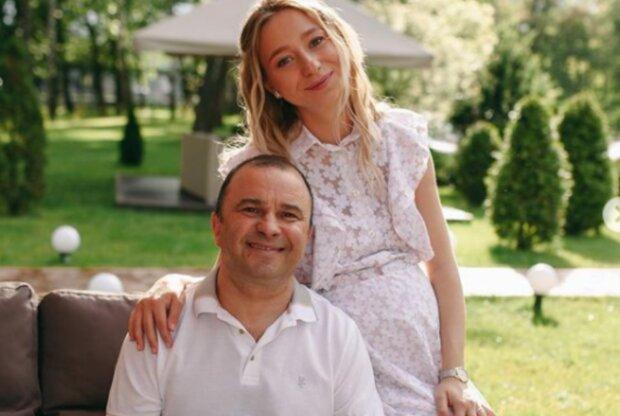 Молодая жена Виктора Павлика похвасталась достижениями трехмесячного сына: «Сам может…»