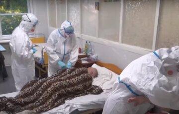 """Сотні людей """"злягли"""" з вірусом за добу на Одещині: скільки пацієнтів не змогли здолати хворобу"""