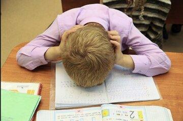 """В Одессе сотни школьников перевели на дистанционку: """"в оранжевой зоне..."""""""