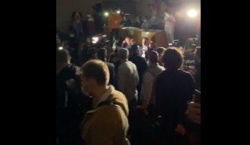 """""""Это не покажут по телевизору"""": в Одессе произошли столкновения между депутатами, видео"""