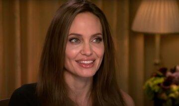 Горячая Джоли свела с ума образом роковой блондинки: «Сражает наповал»