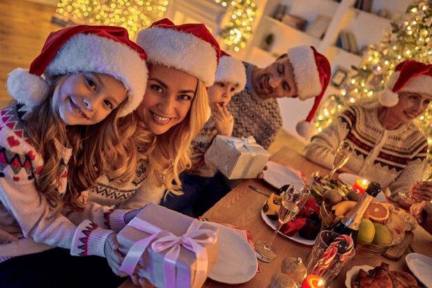 Привітання з Новим роком: сім'я, друзі, діти, колеги